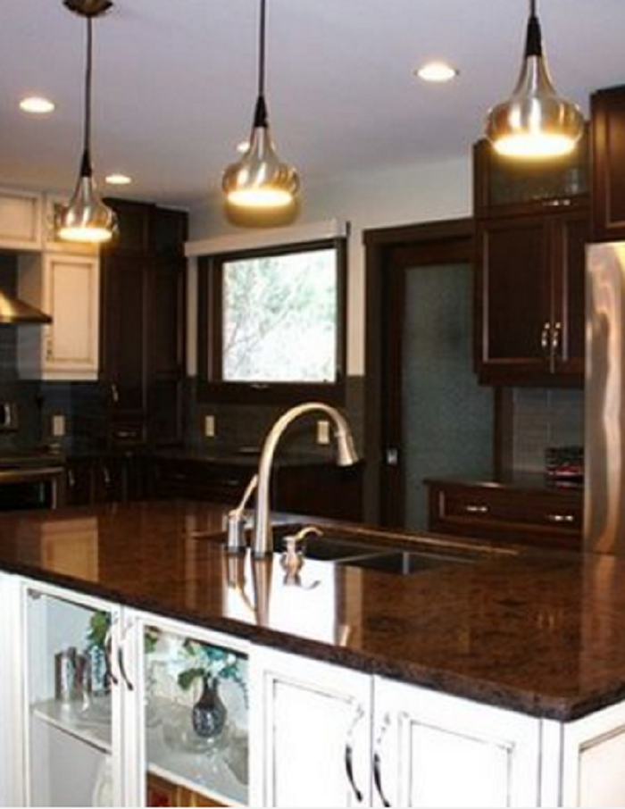 Contrast Two Tone Kitchen Cabinets