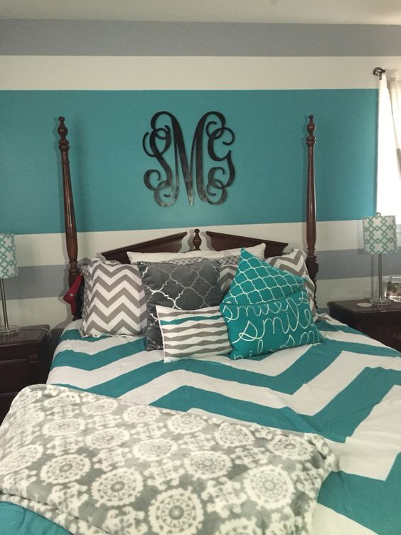 turquoise and white bedding