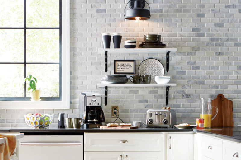 modern farmhouse kitchen backsplash