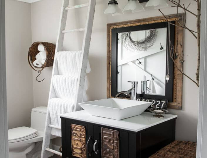farmhouse style bathroom lighting