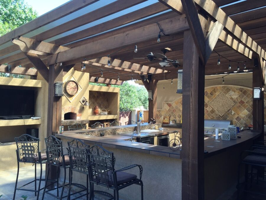 How to Create a Cozy Outdoor Kitchen